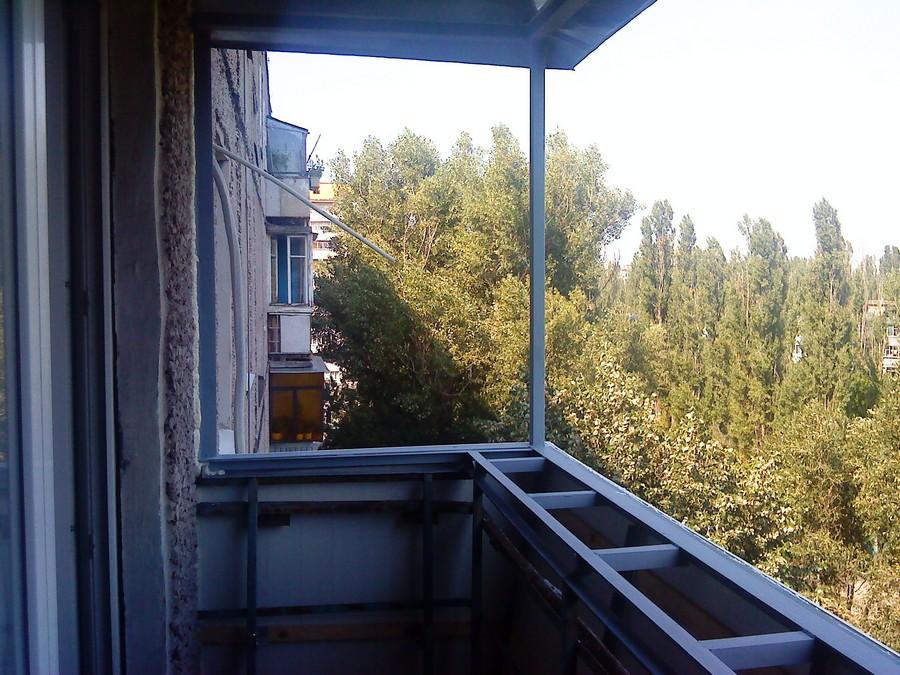 Сварочные роботы. Вынос  балкона  по подоконнику.