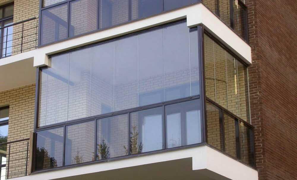 Остекление балконов в Днепре – какой профиль выбрать